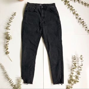 BDG Jeans - BDG Twig High Rise Cropped Black Jeans✨
